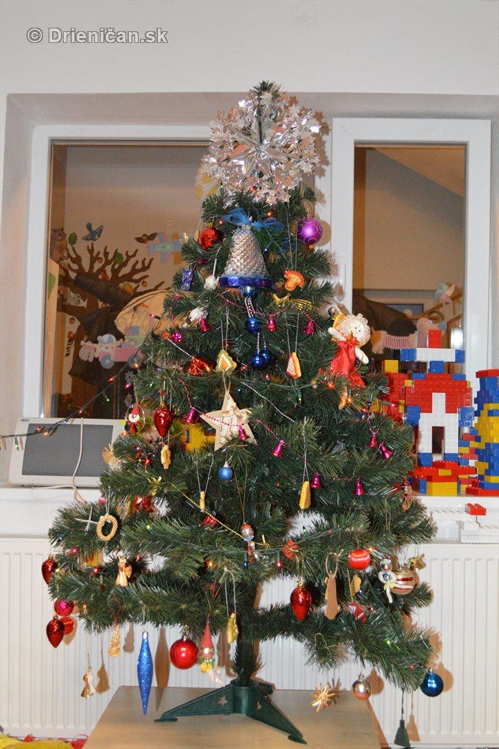 Vianocna besiedka v materskej skole Drienica_55