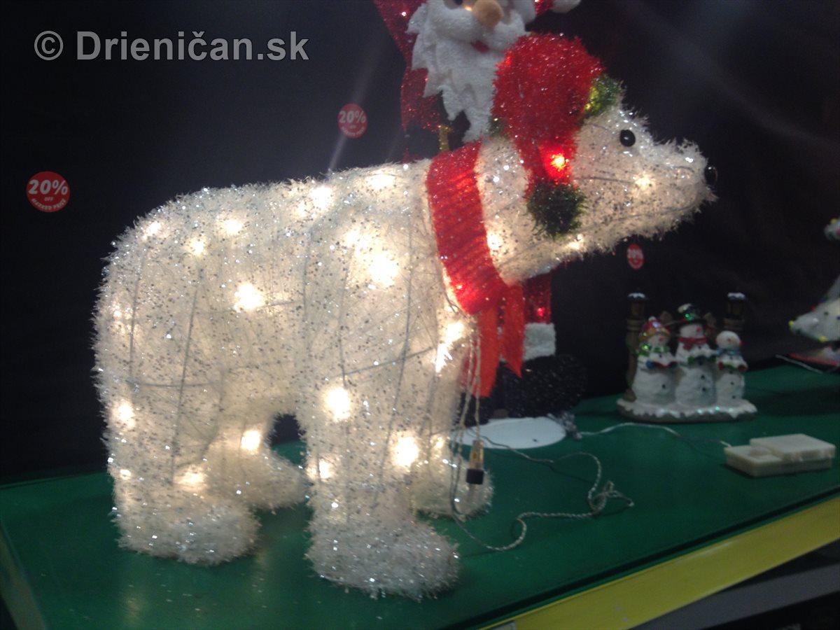 Vianočné ozdoby a osvetlenie