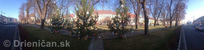 Vianočné stromčeky ZŠ v Sabinove -Panoráma