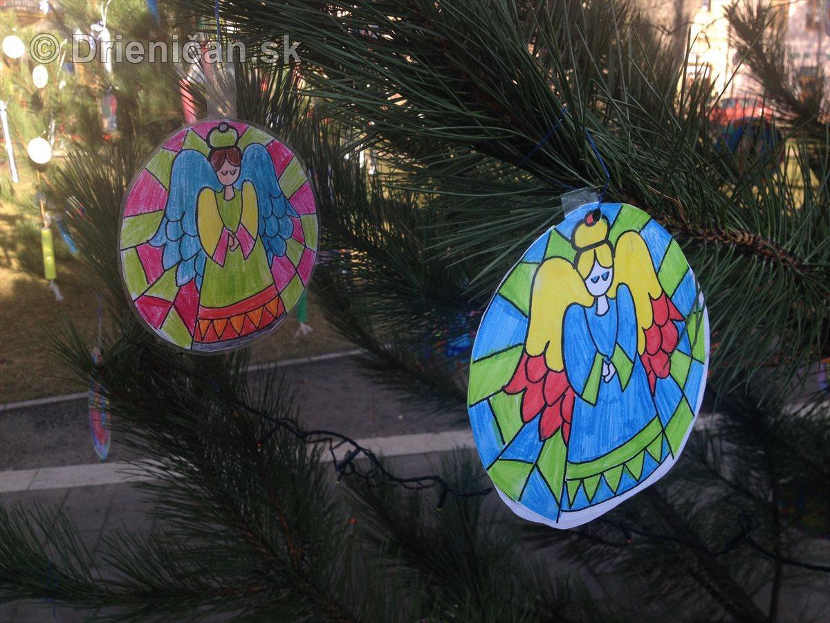 Vianočné stromčeky ZŠ v Sabinove