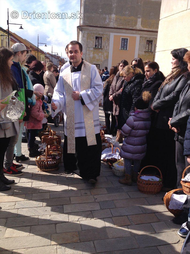 Pozehnanie velkonocnych pokrmov v Sabinove_17