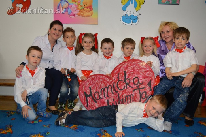 Den matiek v materskej Skolke Drienica_70