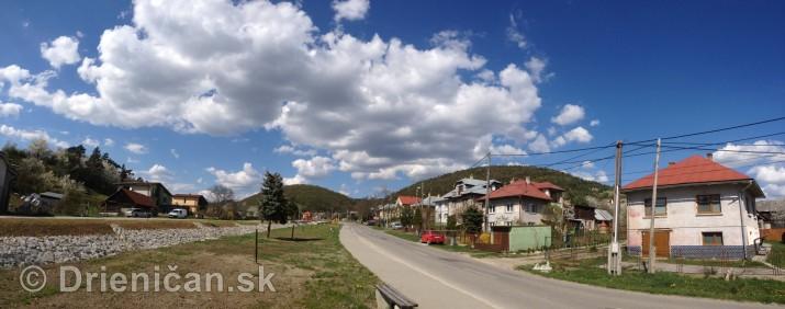 Ked Drienica v maji zakvitne panorama_12
