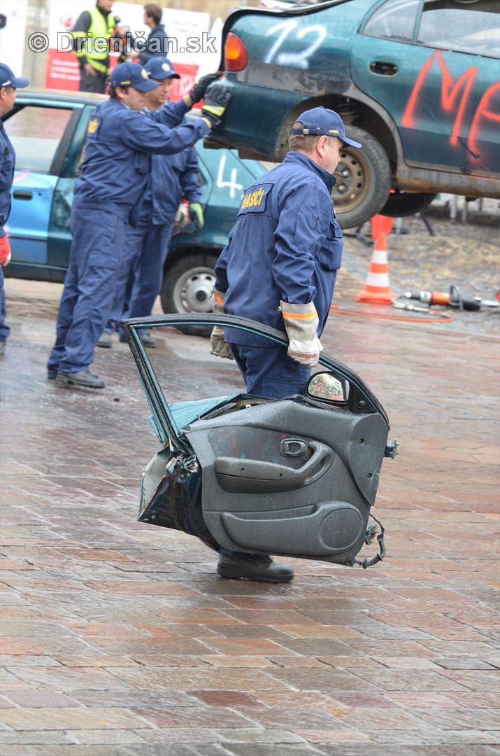 Majstrovstva Slovenskej republiky vo vyslobodzovani zranenych osob z havarovanych vozidiel foto_02