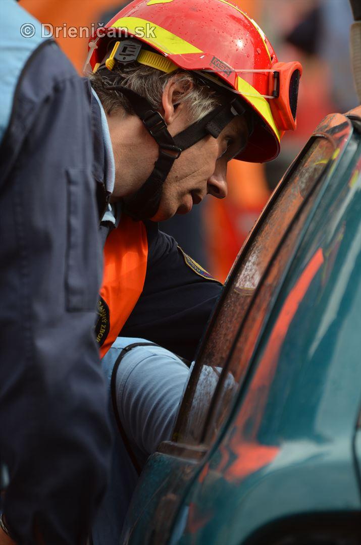 Majstrovstva Slovenskej republiky vo vyslobodzovani zranenych osob z havarovanych vozidiel foto_10