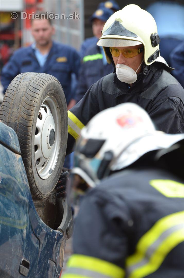 Majstrovstva Slovenskej republiky vo vyslobodzovani zranenych osob z havarovanych vozidiel foto_12