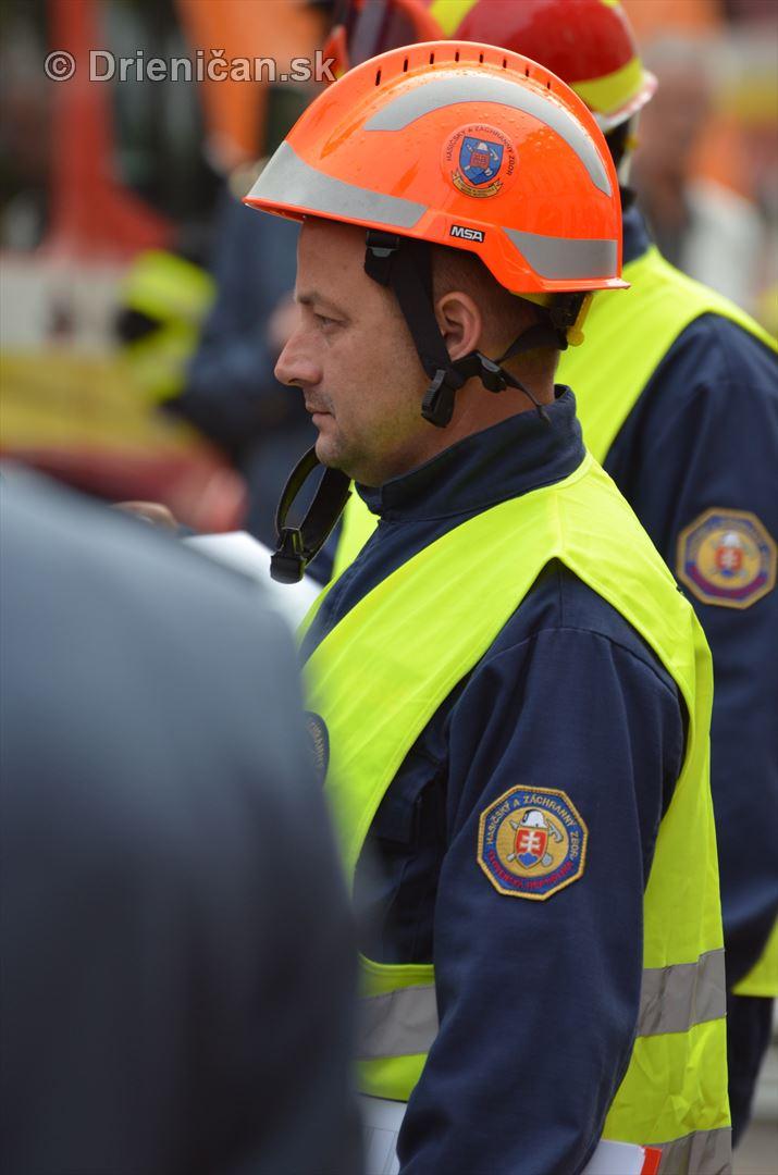 Majstrovstva Slovenskej republiky vo vyslobodzovani zranenych osob z havarovanych vozidiel foto_16