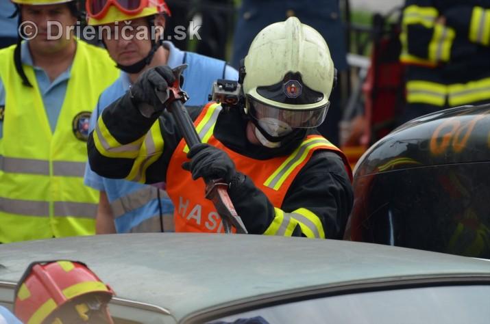 Majstrovstva Slovenskej republiky vo vyslobodzovani zranenych osob z havarovanych vozidiel foto_63