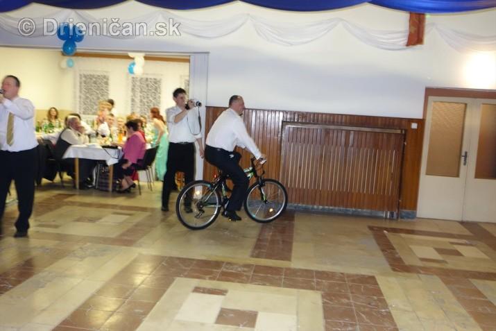 foto 13 ples obce drienica_38