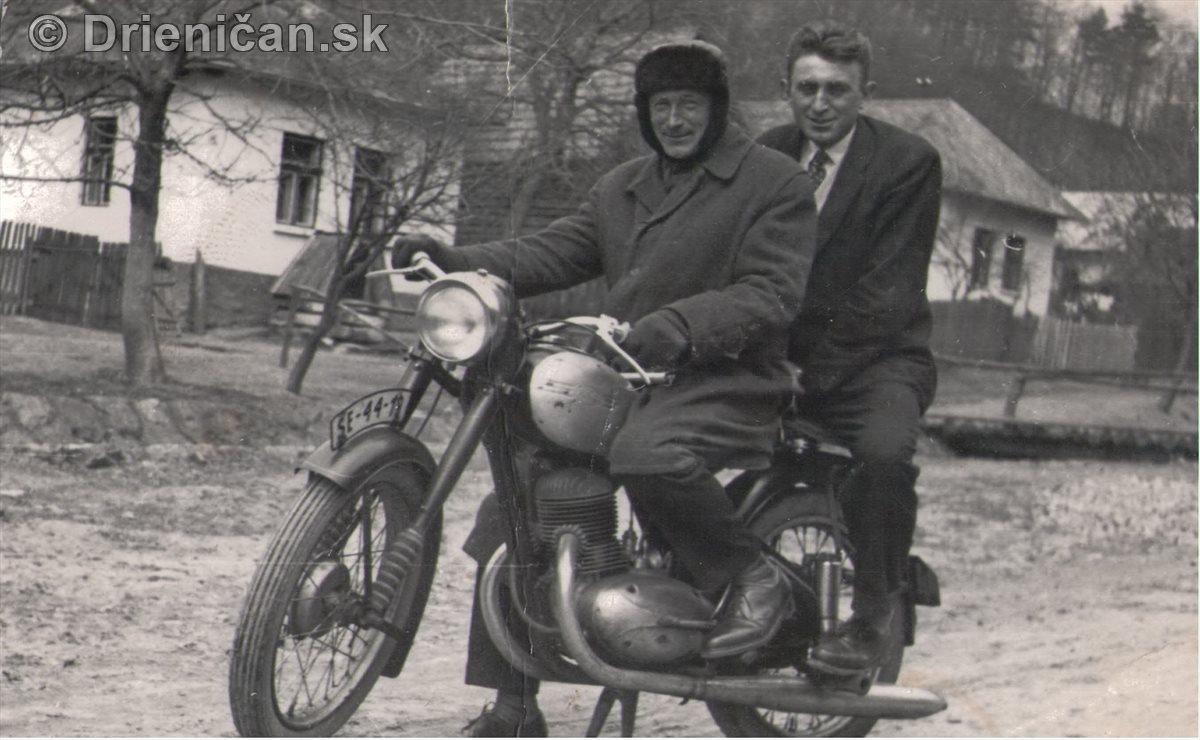 Na motorke, pridala p.Kravcová