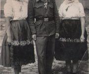 Vojak družba a družičky, pridala p.Kravcová