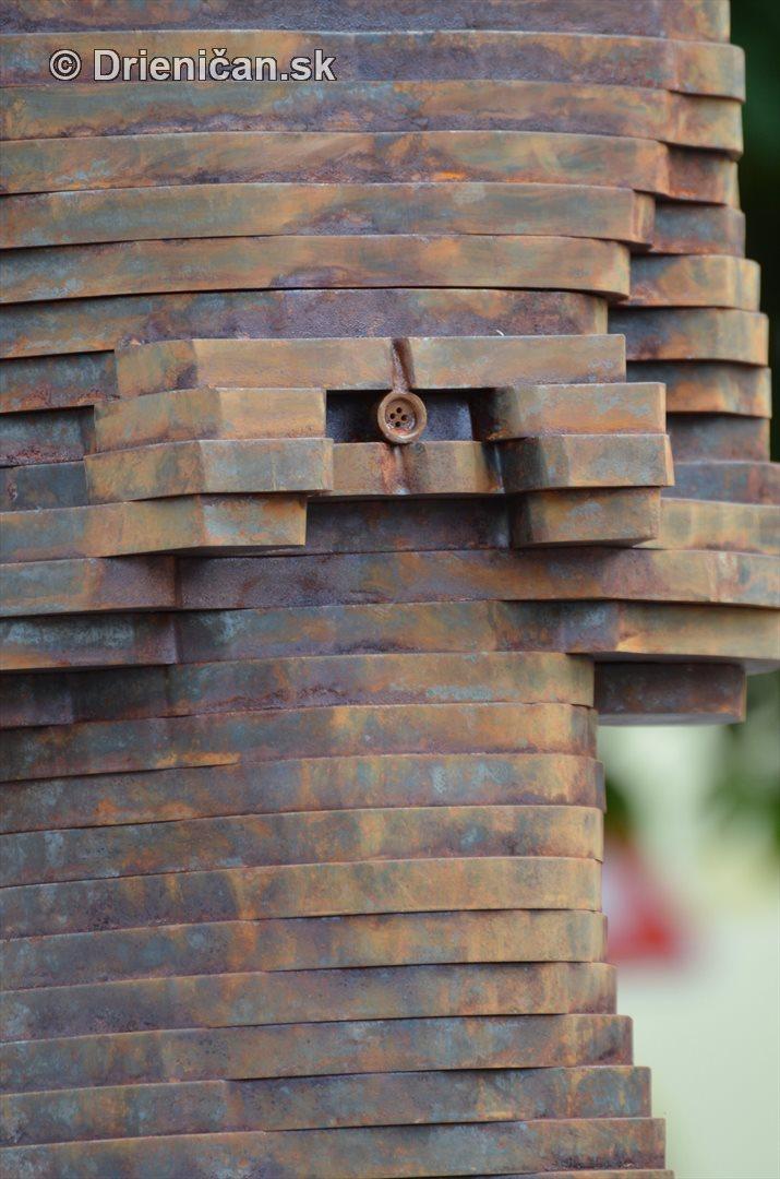oscar sabinov socha foto_04