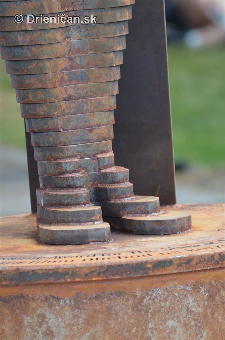 oscar sabinov socha foto_06