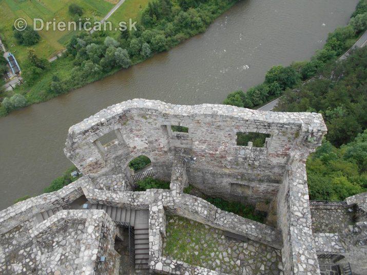 plte na vahu strecno hrad foto_51