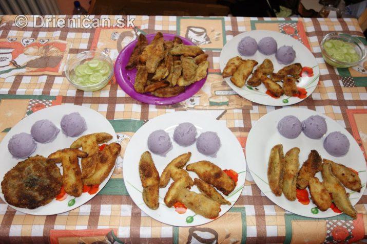 fialove-zemiaky-a-vyprazne-hriby_14