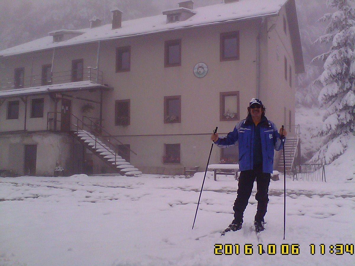 25.cm snehu na Lysej 6.október 2016