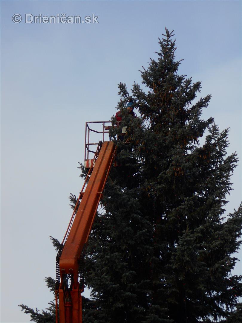sabinov-ma-uz-prichystane-vianocne-osvetlenie_03