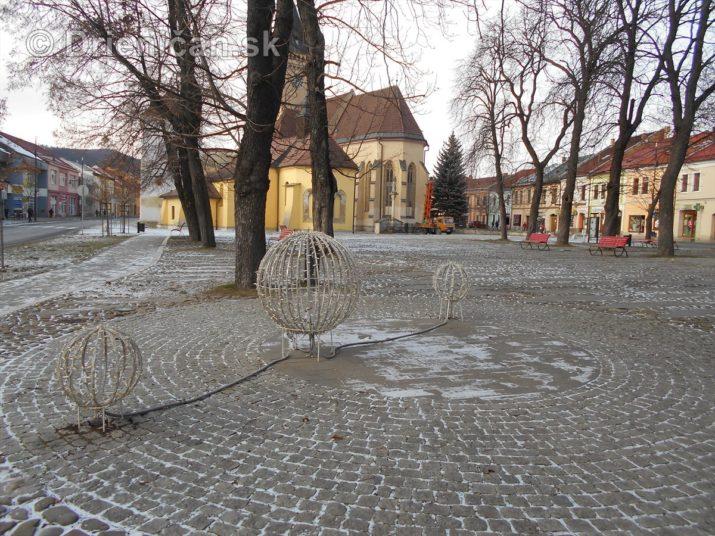 sabinov-ma-uz-prichystane-vianocne-osvetlenie_13