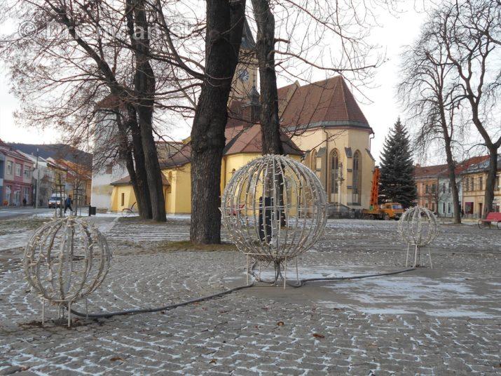 sabinov-ma-uz-prichystane-vianocne-osvetlenie_14