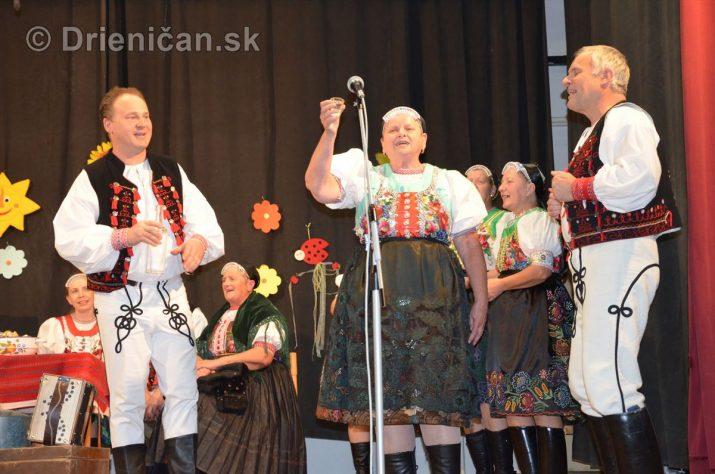 Október-mesiac úcty k starším Drienica