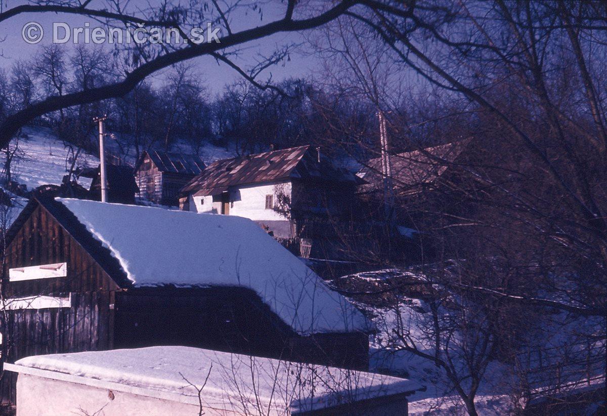 Komisarova stodola pod drahu pri mošči