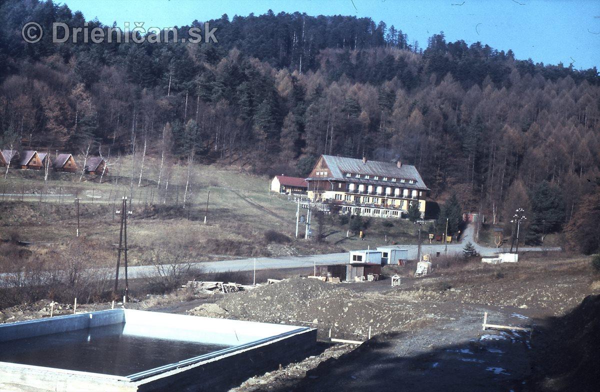 Otvorený bazén Drienica, na jeho mieste boli tri studzinki, kde vyvierala pramenitá voda.