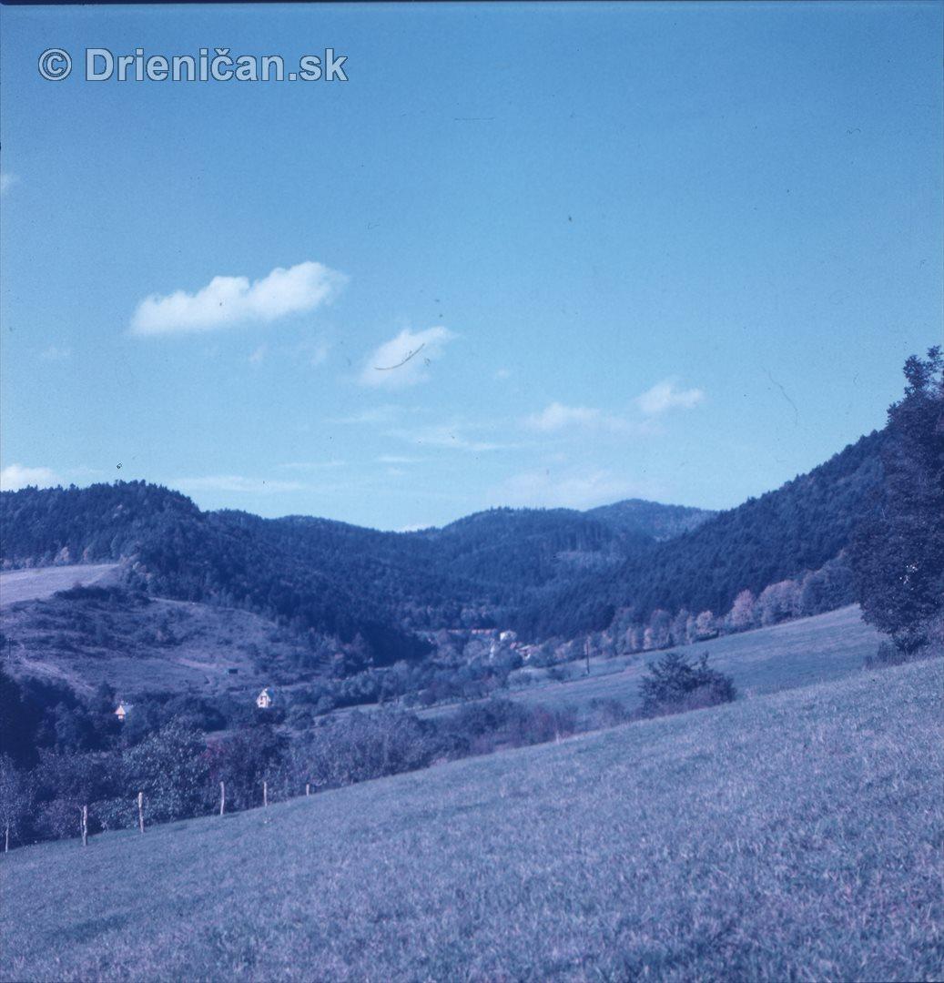 Po ľavej strane budúca chatová oblasť Gacky-Drienica